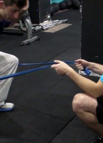 תיקון קריסת ברכיים בסקוואט